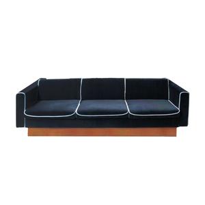 Medium pamomo czech sofa be in velvet