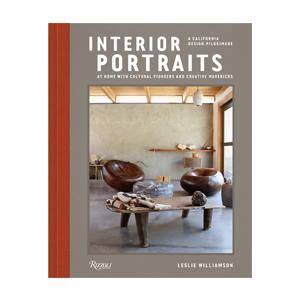Medium interior portraits by leslie williamson