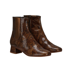 Medium finery elmworth leather closed boots
