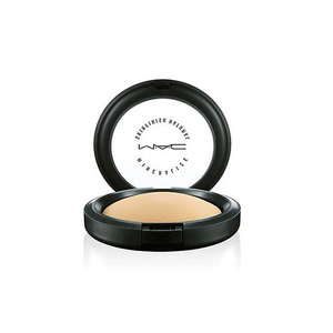 Medium mac mineralise skin finish powder