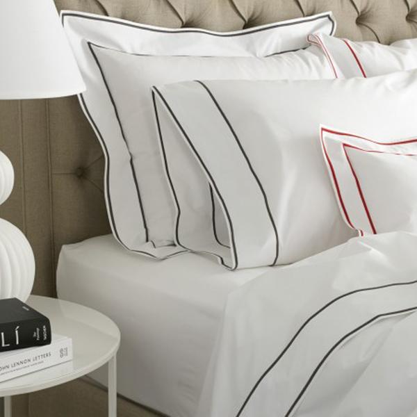 Large matouk  ansonia bed