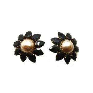 Medium butler   wilson   vintage clip earrings   black glass stones   pearl
