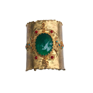 Medium unique gold plated cuff with central green agate from afghanistan