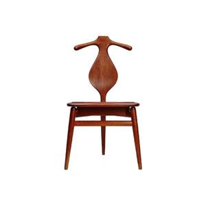 Medium ashvalet chair by hans wegner