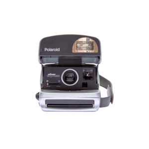 Medium polaroid 600 camera   round