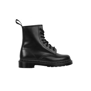Medium dr. martens mono boot