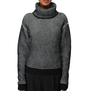 Medium maiyet turtlenexk sweater