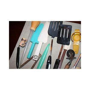 Medium kitchen utensils