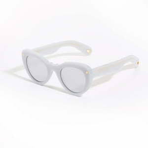 Medium glasses