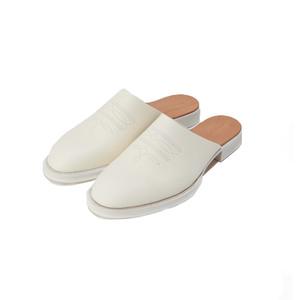 Medium shoes2