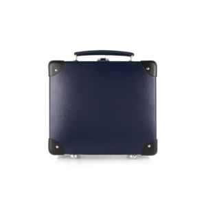 Medium globe trotter suitcase