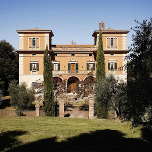 Medium villa lena